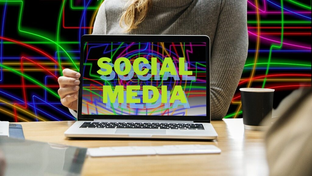 create images for social media